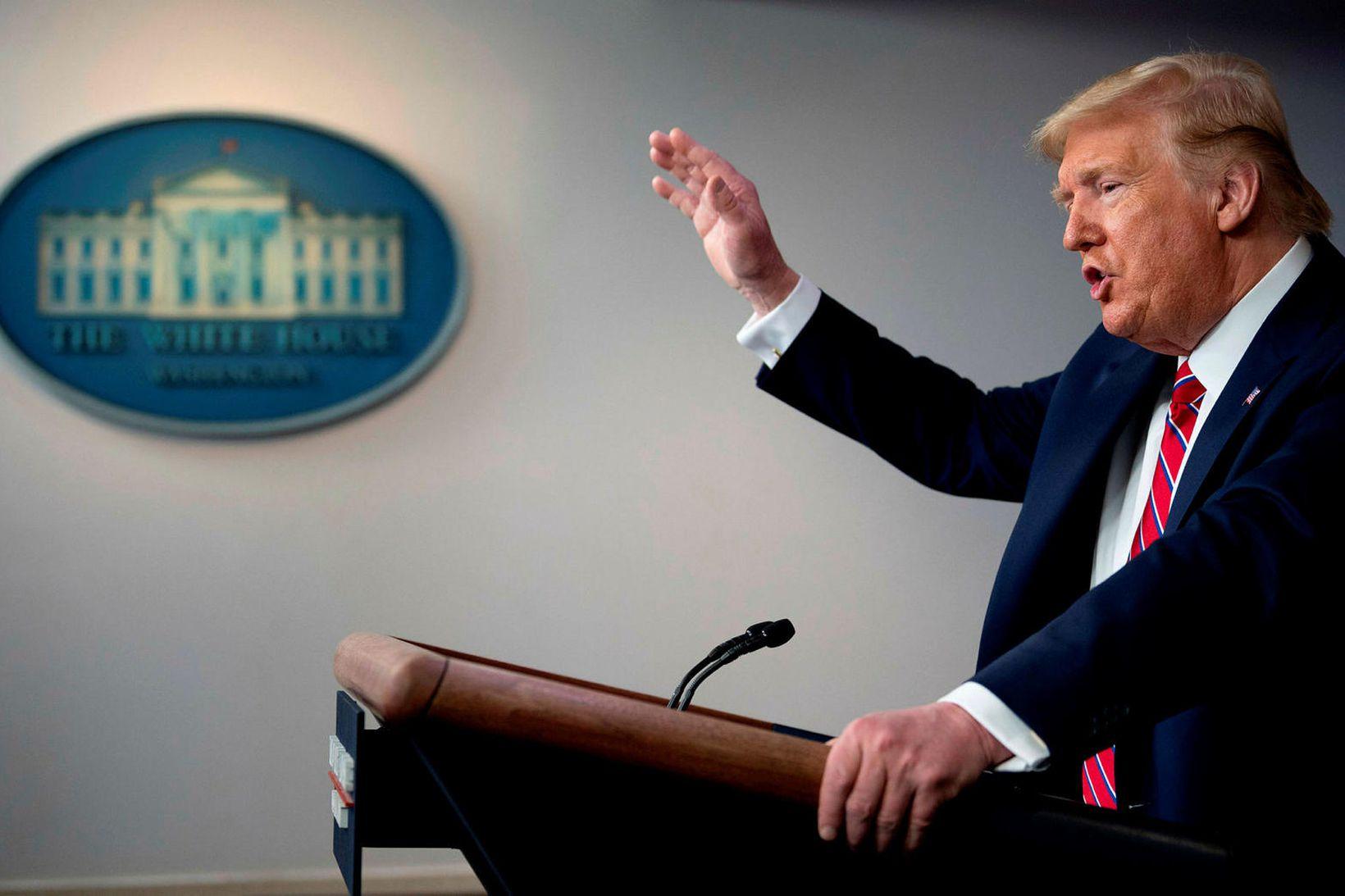 """""""Ég segi að þú sért hræðilegur fréttamaður,"""" svaraði Trump."""