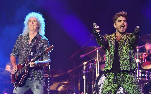 Hljómsveitin Queen og Adam Lambert spiluðu þekkt tónlistaratriði frá Live Aid-tónleikunum frá 1985 á styrktartónleikum …