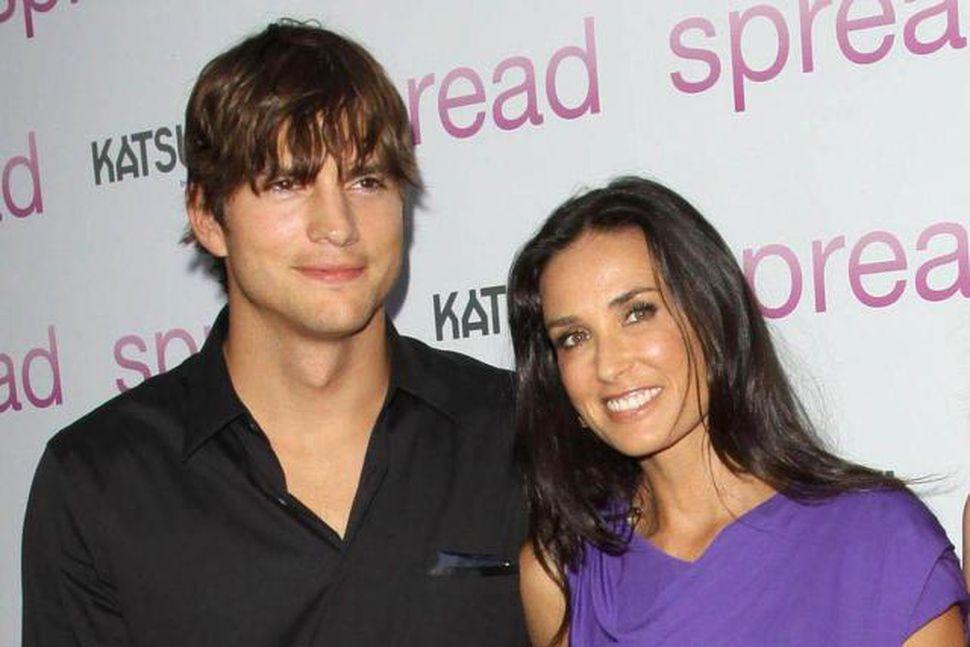 Ashton Kutcher ásamt eiginkonu sinni, Demi Moore.