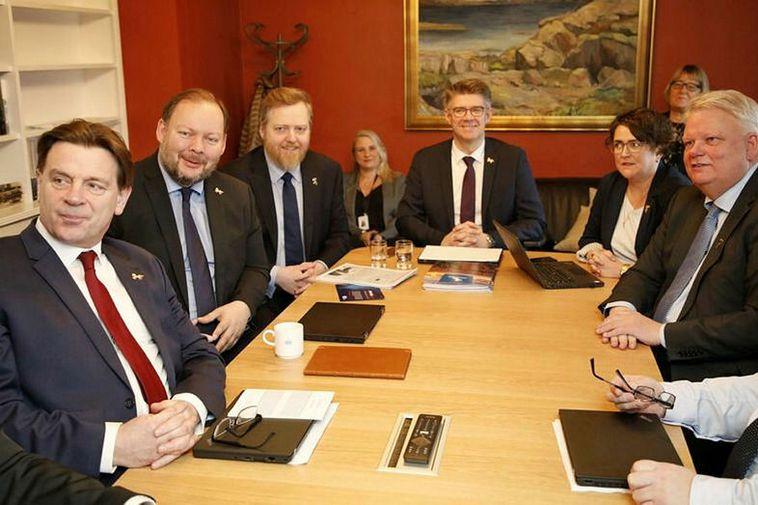 MPs seated at the table, from left: Karl Gauti Hjaltason, Bergþór Ólason, Sigmundur Davíð Gunnlaugsson, ...