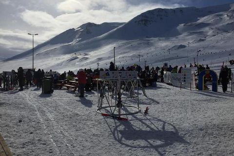 A great number of people visited Akureyri this weekend to go skiing. This photo was taken this morning.