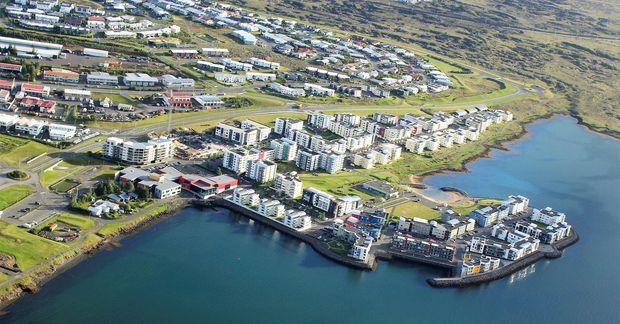 Bæjarfulltrúar minnihlutans í Garðabæ vilja líka fá að vera viðstaddir athafnir á vegum bæjarins.