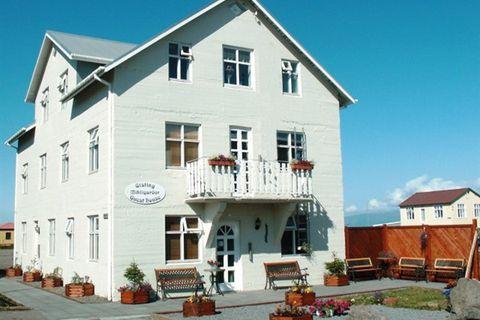 Guesthouse Mikligarður - Arctichotels