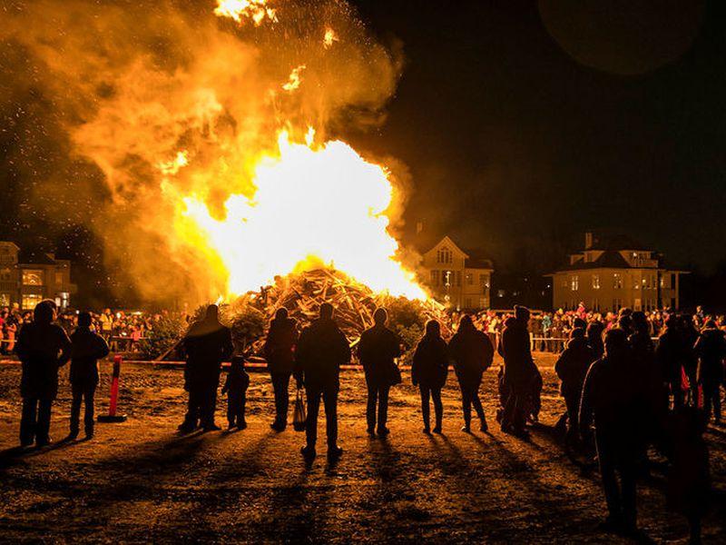 A Þrettándabrenna - a bonfire for twelfth night at Ægissíða in West Reykjavik.