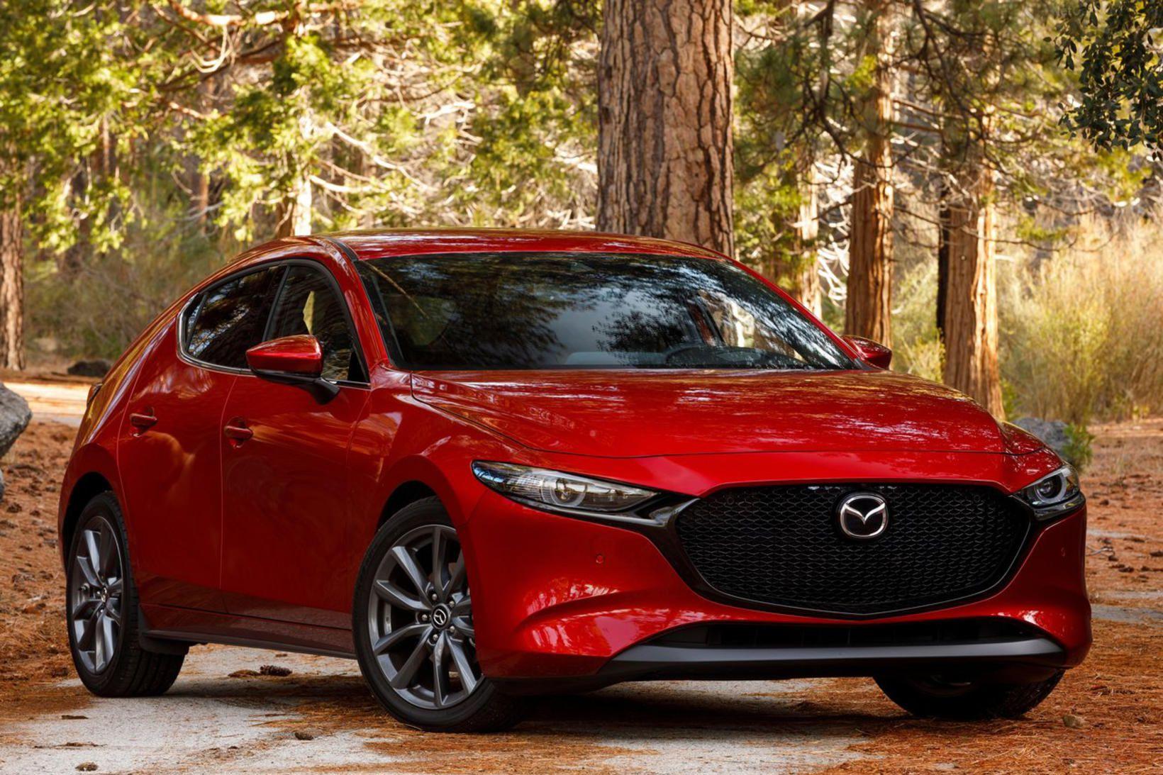 Mazda 3 keppir um titilinn bílhönnun ársins auk titilsins heimsbíll …