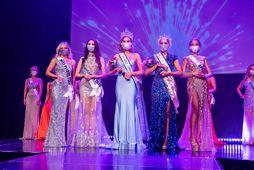 Vegna samkomutakmarkana þurftu keppendur í Miss Universe Iceland að hylja andlit sín með grímum.
