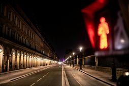 Rue de Rivoli í borg ljósanna, París, í gærkvöldi.