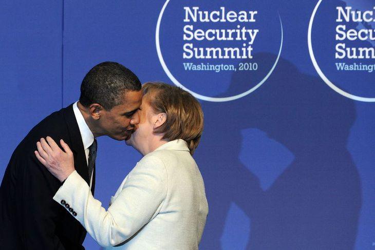 Barack Obama og Angelu Merkel hefur verið frekar vel til vina en nú hefur slest ...