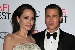 Angelina Jolie og Brad Pitt hafa komist að tímabundnu samkomulagi hvað varðar forræði yfir börnum ...
