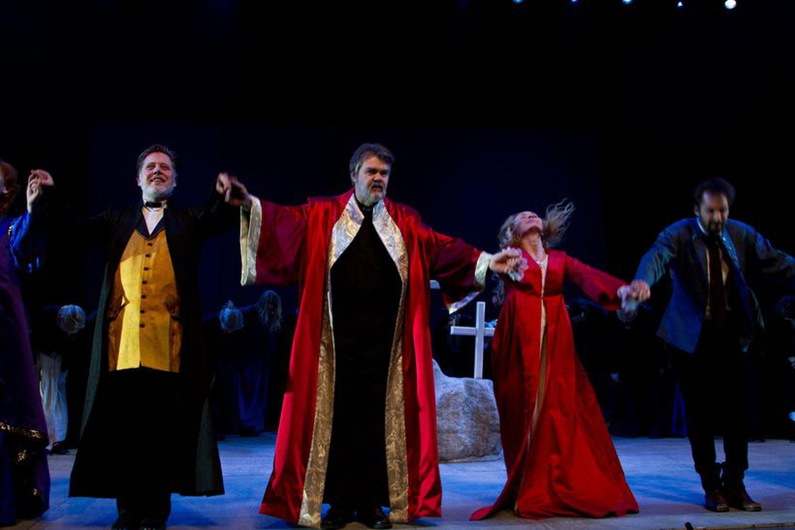 Mynd frá Ragnheiði sem Íslenska óperan sýndi.
