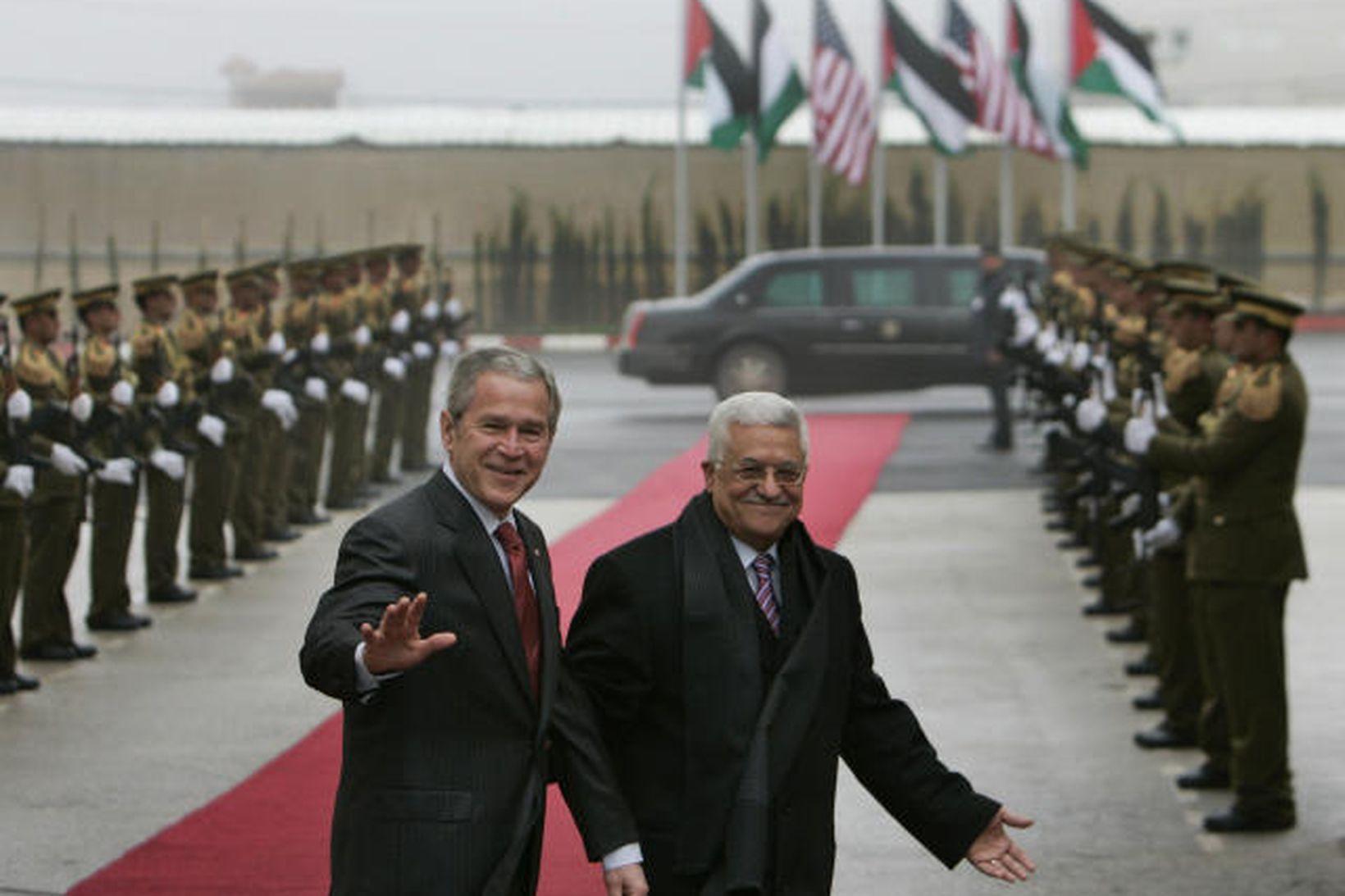 George W. Bush Bandaríkjaforseti í Ramallah á Vesturbakkanum