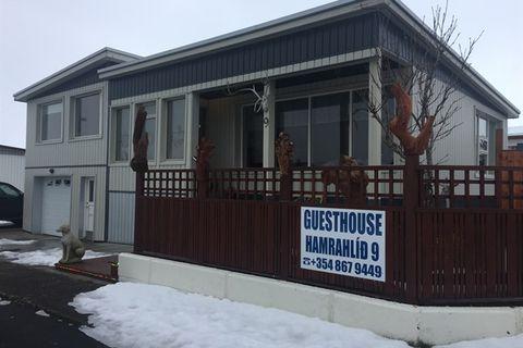 Hamrahlíð 9 Guesthouse