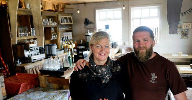 Kristín Aðalheiður Símonardóttir, Heiða, og Bjarni Jónsson reka kaffihúsið Gísla, Eirík og Helga á Dalvík.