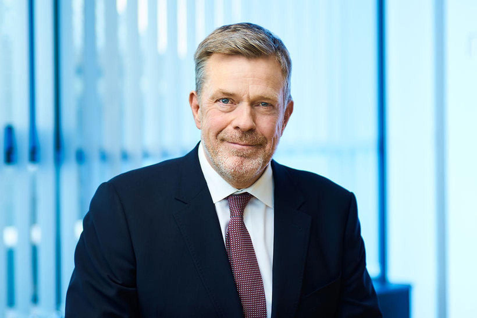 Höskuldur H. Ólafsson, fyrrverandi bankastjóri Arion banka, fékk starfslokasamning upp …