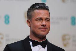 Brad Pitt þykir líklegur sem svaramaður í brúðkaupi George Clooneys og Amal Alamuddin.