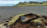 Jónas hafði leitað steinsins í mörg ár áður en hann rakst á þúfuna sem huldi …