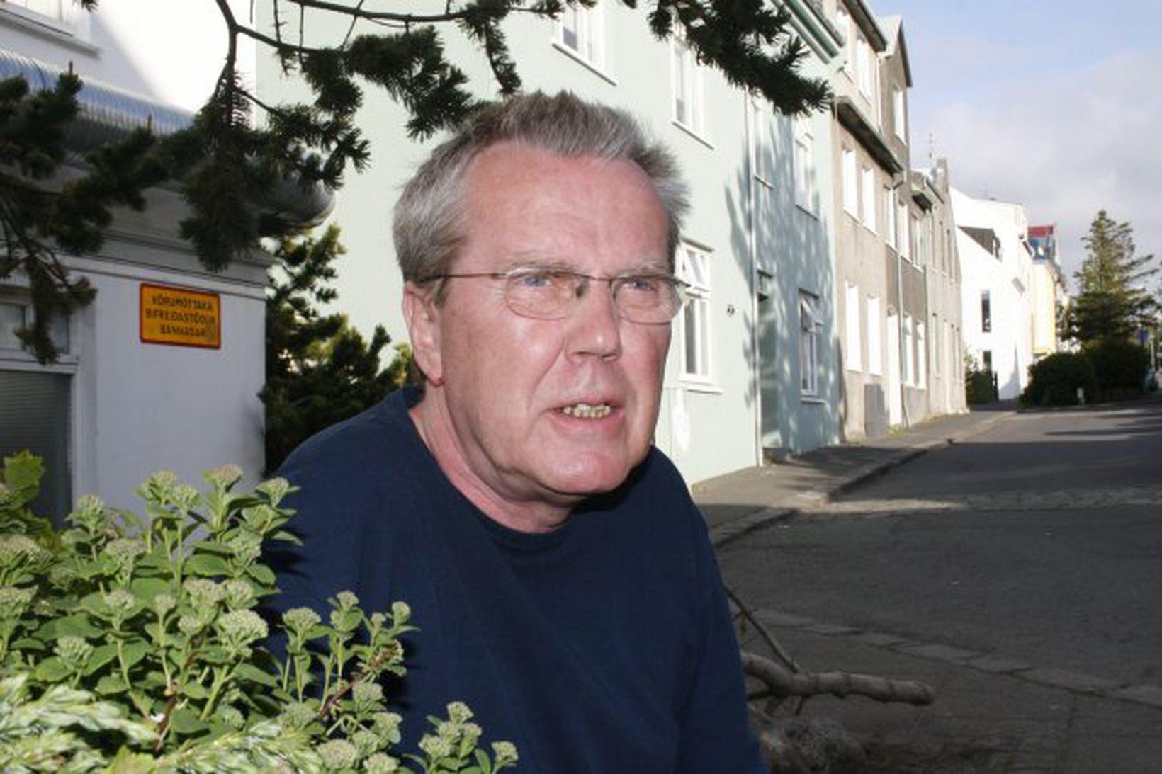 Eiríkur Jónsson.
