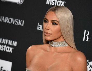 Kim Kardashian þykir Louis Vuitton fínt og ekki bara þegar kemur að handtöskum.