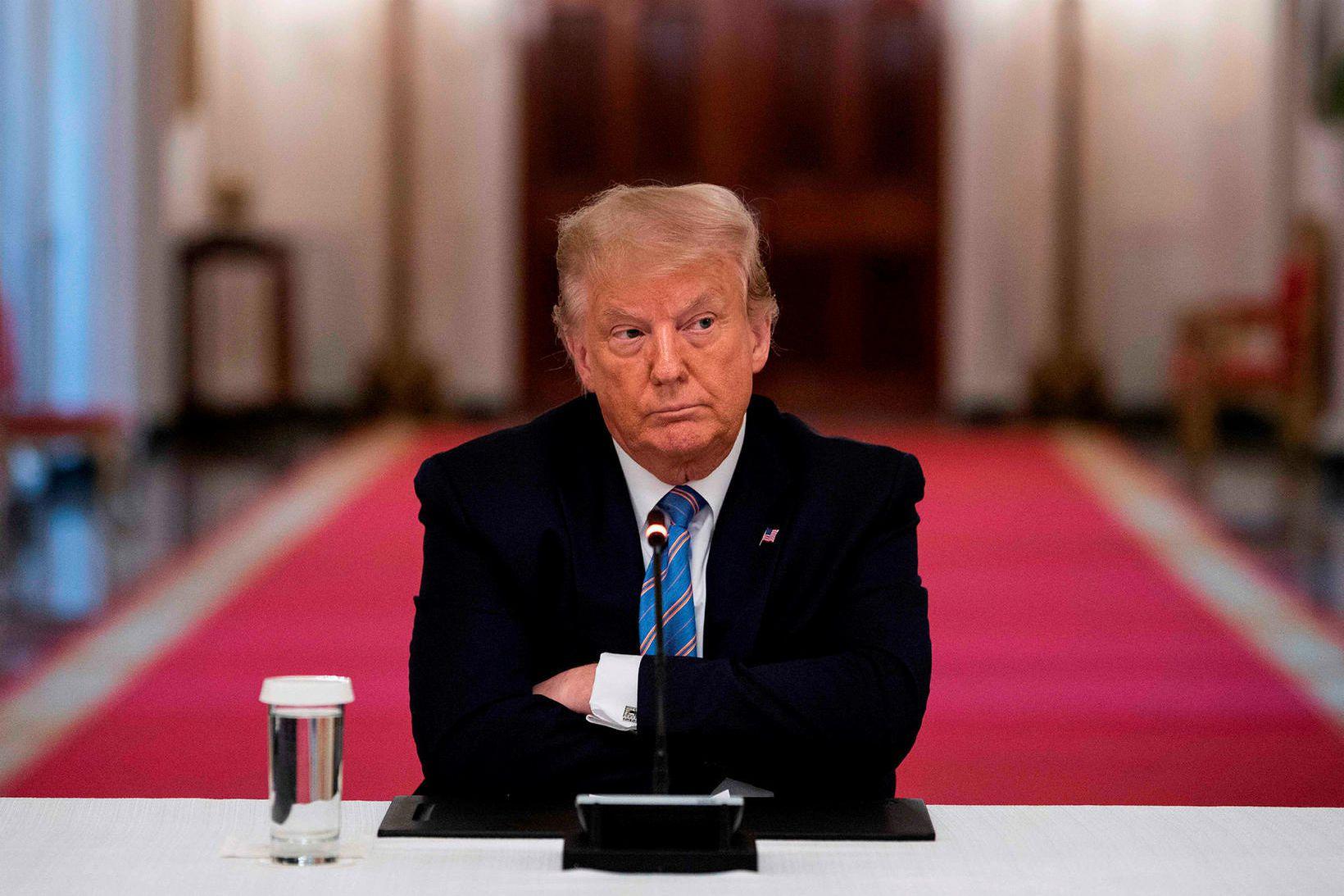 Donald Trump Bandaríkjaforseti er gjarnan ósammála sóttvarnalækni Bandaríkjanna.