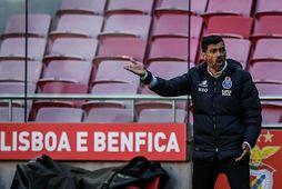 Úrslitaleikur Meistaradeildarinnar gæti verið færður til Portúgals, annað hvort á heimavöll Benfica eða Porto.