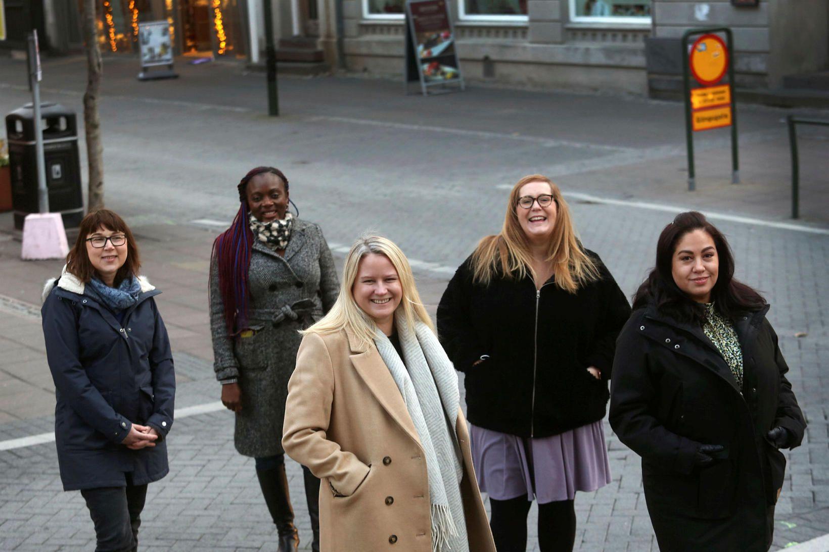 Sabine Leskopf, Patience Karlsson , Kathryn Gunnarsson, Jessica Poteet og …