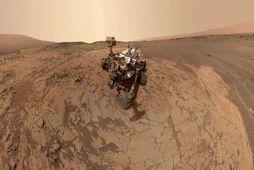 """""""Selfie"""" sem rannsóknarjeppi NASA, Curiosity, tók á plánetunni Mars."""