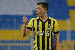 Mesut Özil hefur lítið sýnt í Tyrklandi eftir komuna frá Arsenal.
