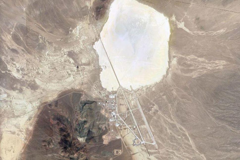 Margar mýtur hafa spunnist upp um Area 51 í Nevada.
