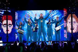 Hljómsveitin Hot Chip hefur gert nýja útgáfu af Eurovisionlaginu Think About Things með Daða og …