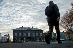AFP fréttastofan fjallar ítarlega um íslensk málefni í dag. Þar á meðal uppreist æru.