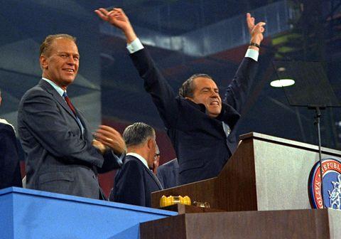 Richard Nixon á góðri stund með Gerald Ford á flokksþingi repúblikana 1968.