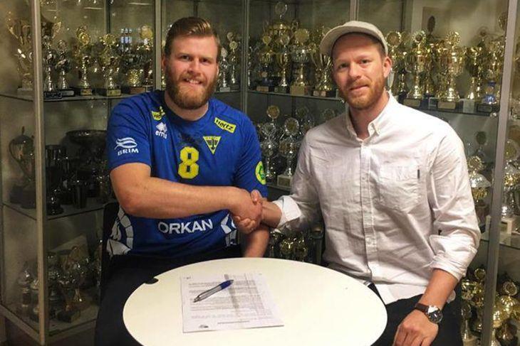 Bjartur Guðmundsson og Einar Rafn Ingimarsson úr stjórn handknattleiksdeildar Gróttu ...