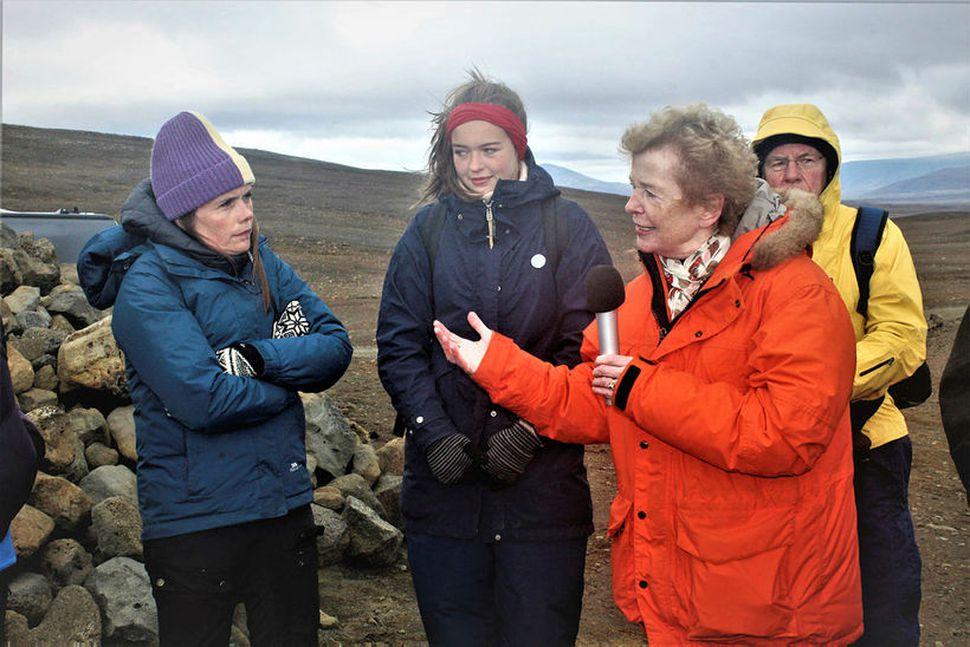 Katrín Jakobsdóttir forsætisráðherra hlustar á Mary Robinson, fv. forseta Írlands, ...