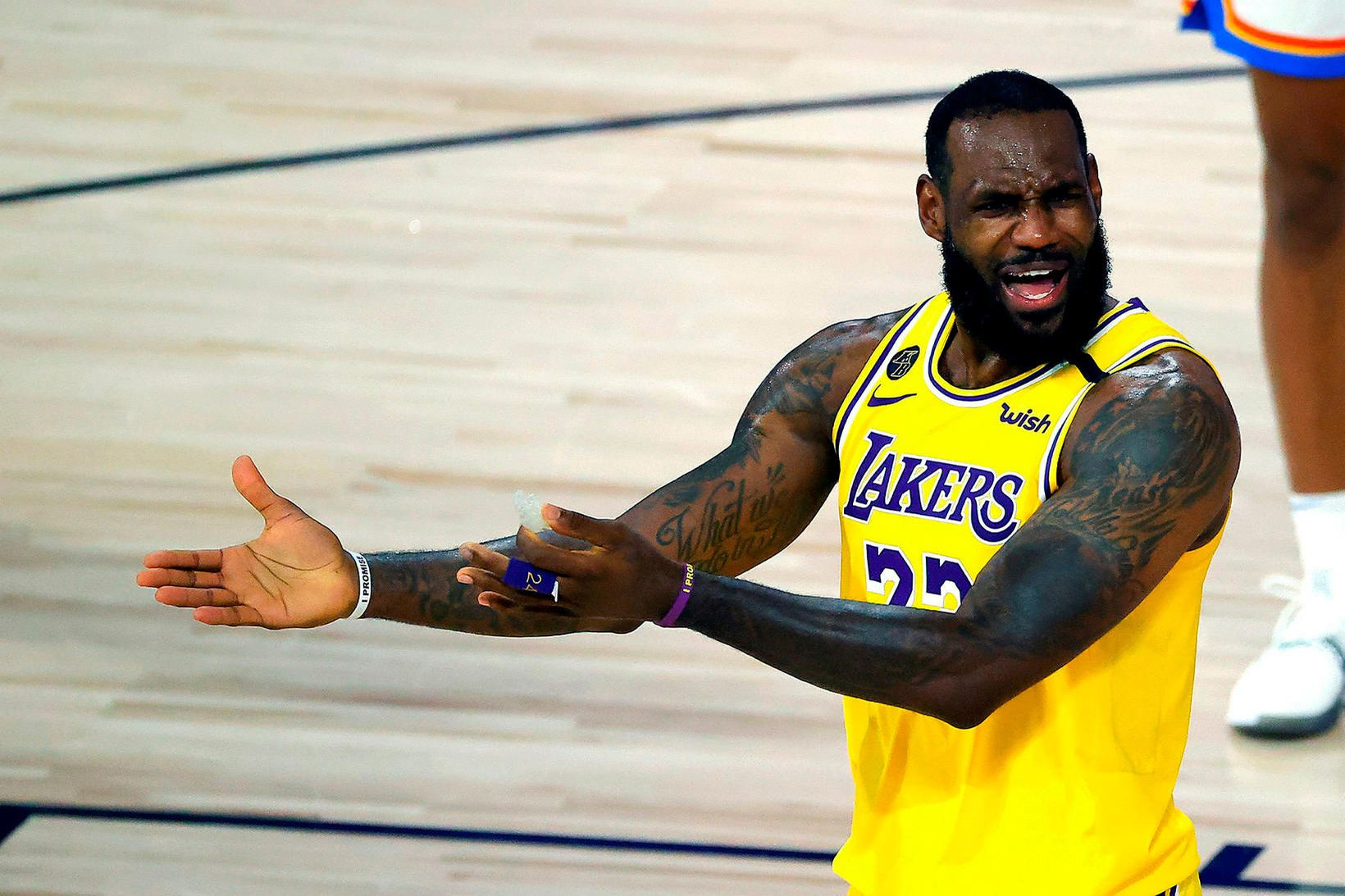 LeBron James og félagar í Los Angeles Lakers unnu loks …