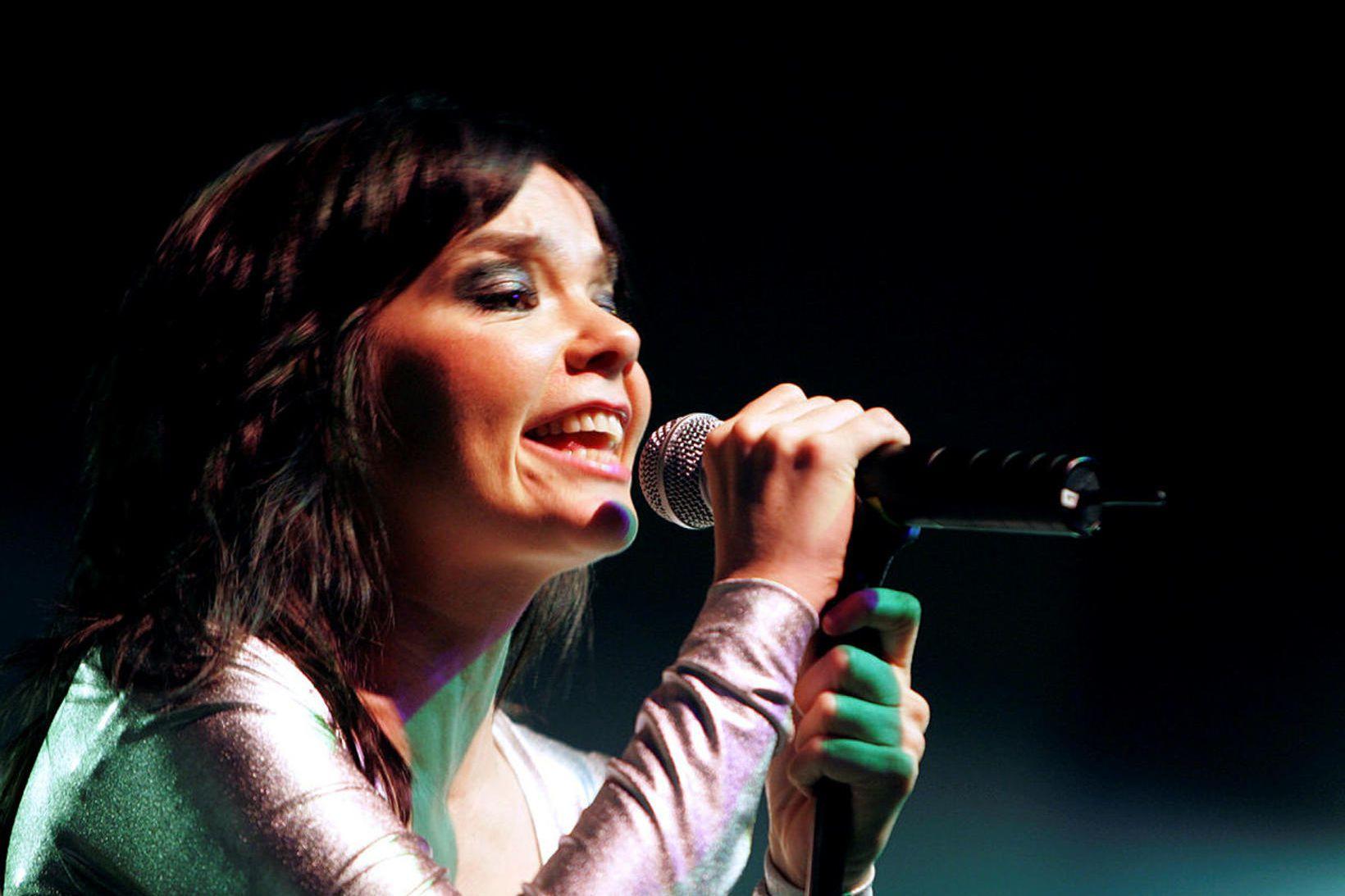 Björk á tónleikum.
