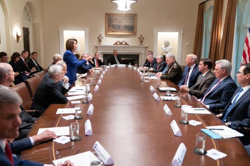 Fólk er ósammála um það hvort Nancy Pelosi eða Donald ...