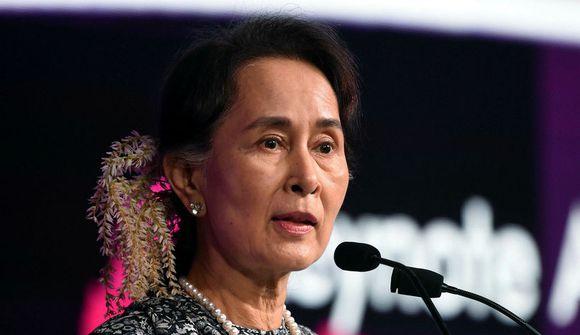 Suu Kyi svipt heiðursverðlaunum