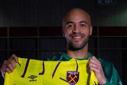 West Ham hefur keypt írska landsliðsmarkvörðinn Darren Randolph af Middlesbrough. Hann er 32 ára gamall …