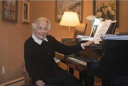Hin 92 ára gamla Dr. Cornelia Vertenstein erm mögnuð kona sem veitir innblástur og kann …