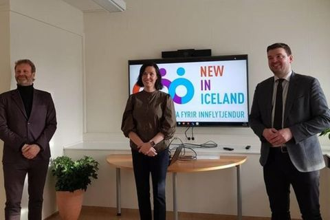From left: MP Kolbeinn Óttarsson Proppé,  Joanna Marcinkowska, project manager of New in Iceland, and Minister of Social Affairs Ásmundur Einar Daðason, at the formal opening of New in Iceland.