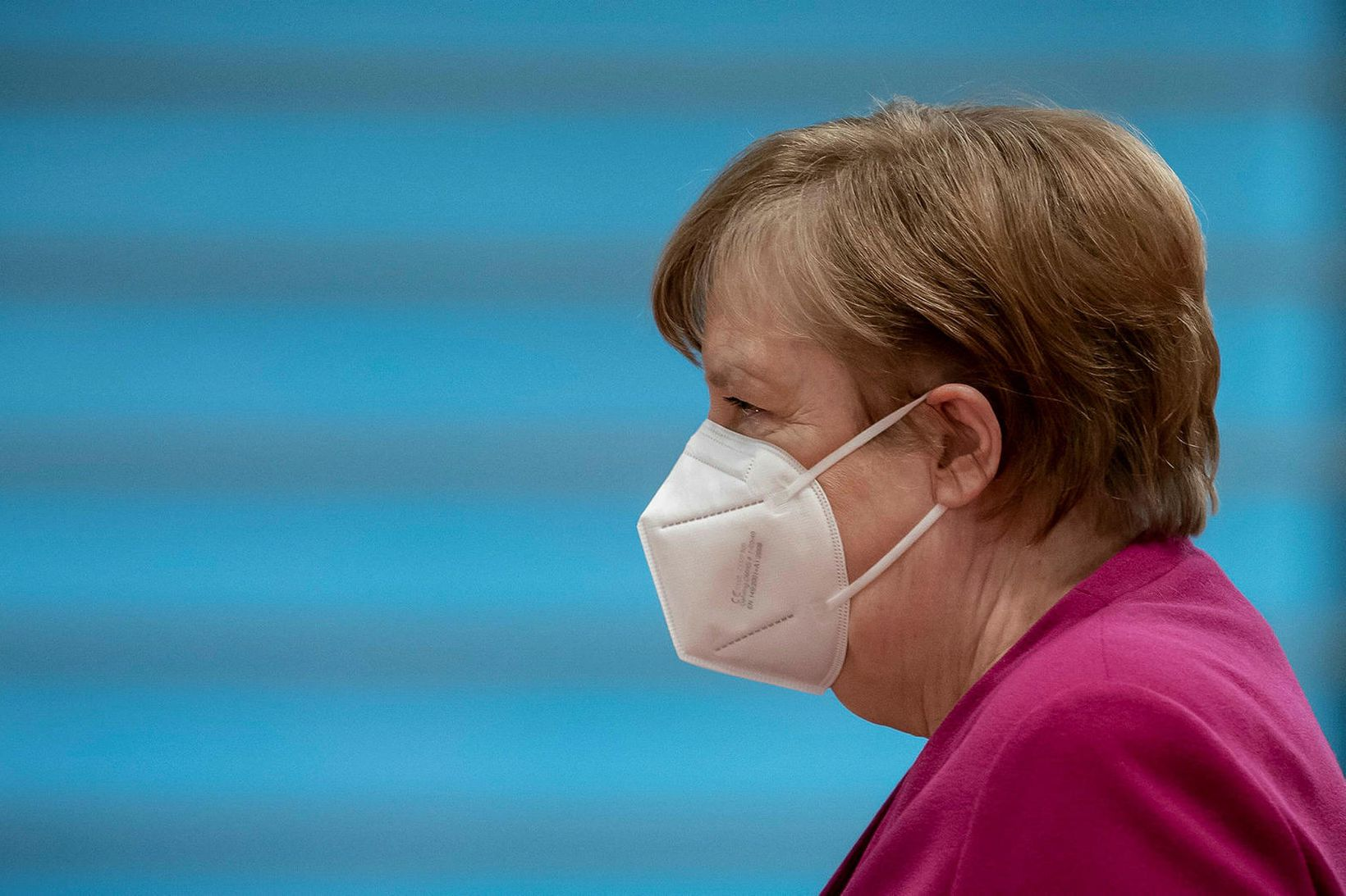 Ríkisstjórn Angelu Merkel samþykkti nýjar reglur sem veita víðtækar sektarheimildir …