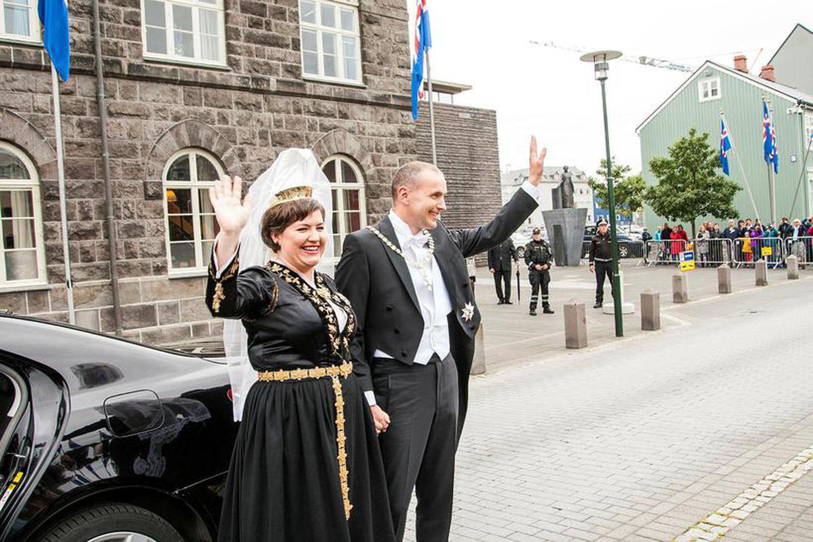 Guðni Th. Jóhannesson og Eliza Jean Reid við innsetningu forseta …