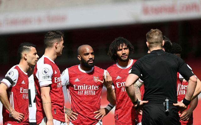 Arsenal fær Everton í heimsókn í kvöld.