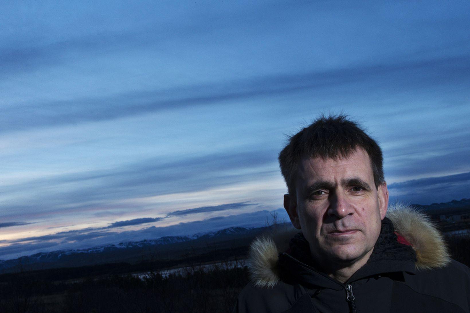 Einar Torfi Finnsson fjallaleiðsögumaður er að fara með þriggja manna …