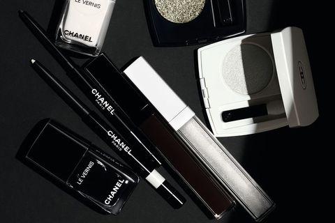 Haustlína Chanel í ár nefnist Noir et Blanc og byggir á auðkennandi litum franska tískuhússins.