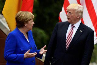 Merkel og Trump talast við á fundi G7-ríkjanna.