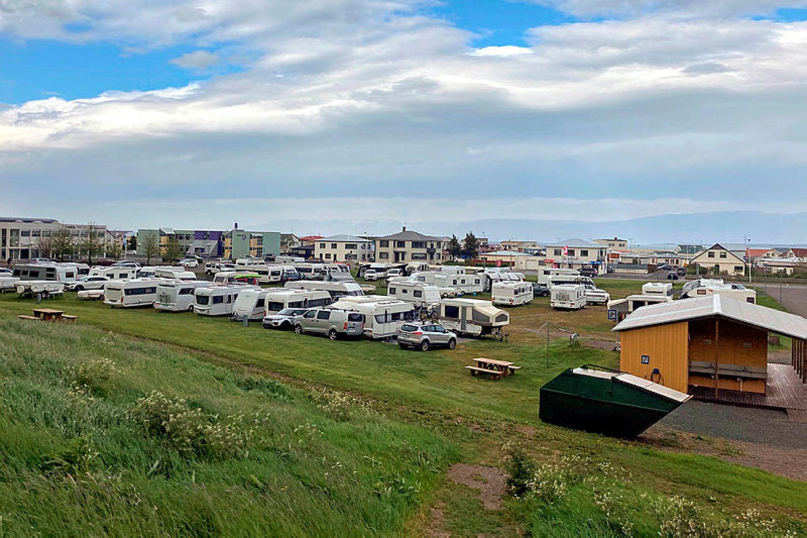 Þar var þéttskipað á tjaldsvæðinu í sumar þegar Steinullarmótið fór …