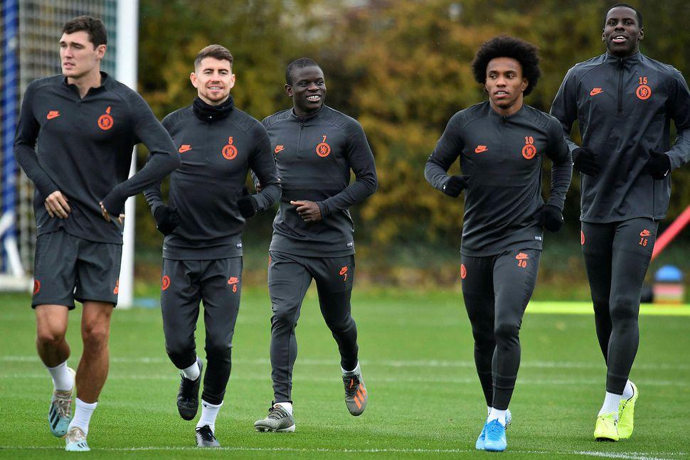 N'Golo Kanté mættur á æfingu Chelsea í dag.