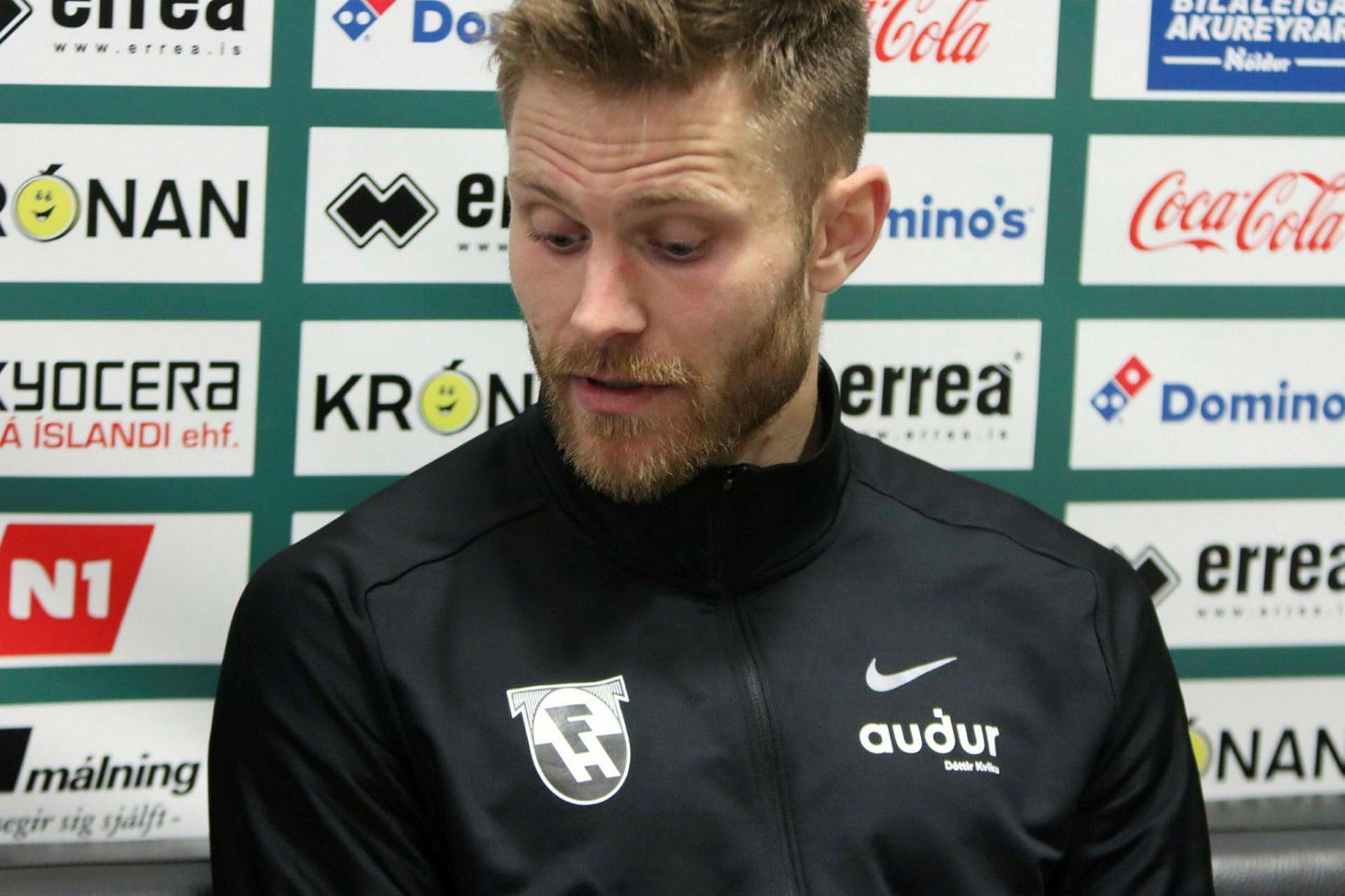 Matthías Vilhjálmsson eftir leikinn í kvöld.