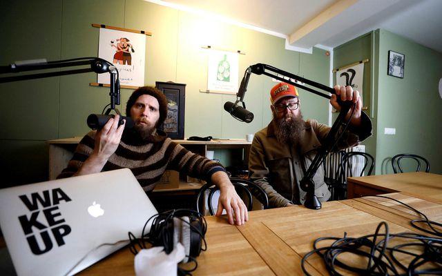 Hlaðvarp Bræðurnir Baldur og Snæbjörn Ragnarssynir framleiða hlaðvörp undir merkjum Hljóðkirkjunnar. Hlaðvörp njóta sívaxandi vinsælda